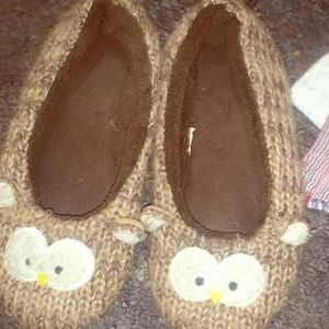 Slippers used buy adorable! Sz 9/10